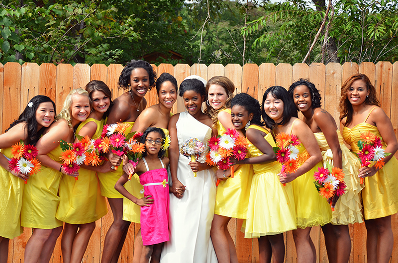brides with her bridesmaids