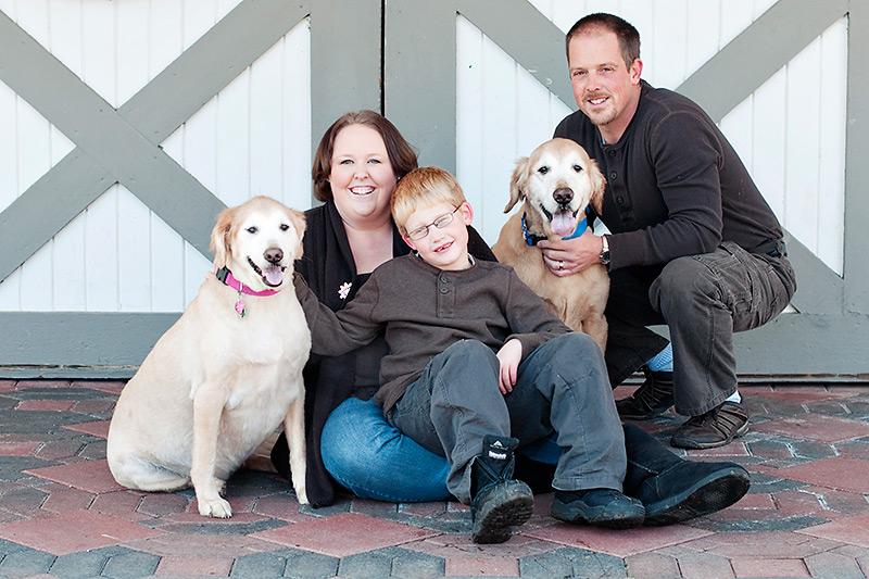 creative family portrait at polen farm