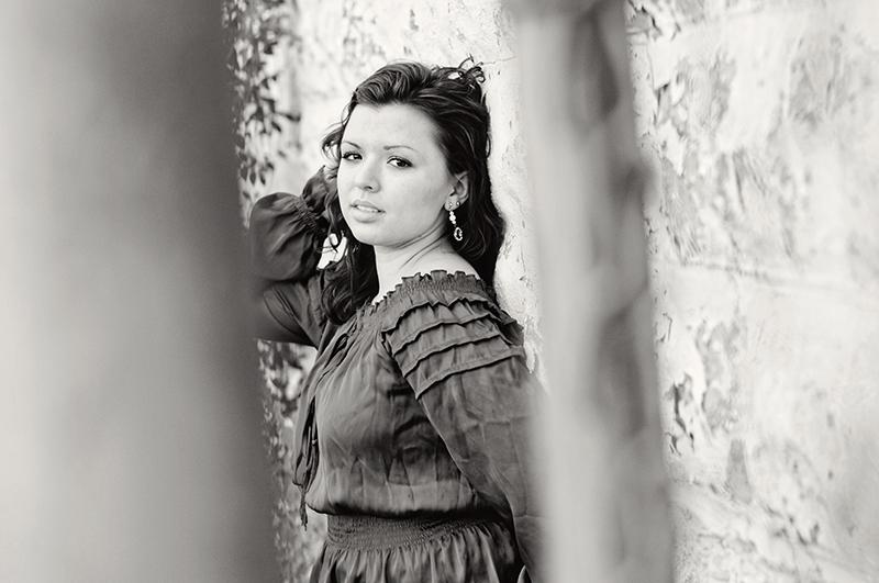 black and white lima ohio senior portrait