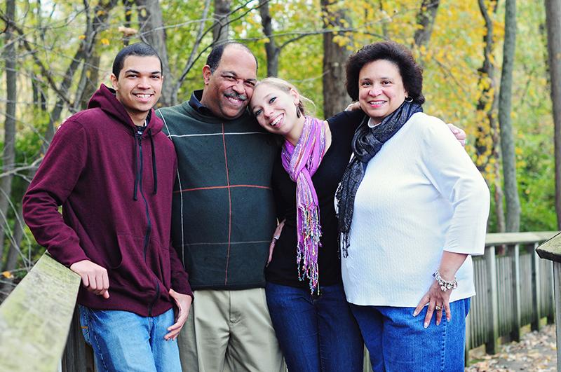 natural family portrait photographer